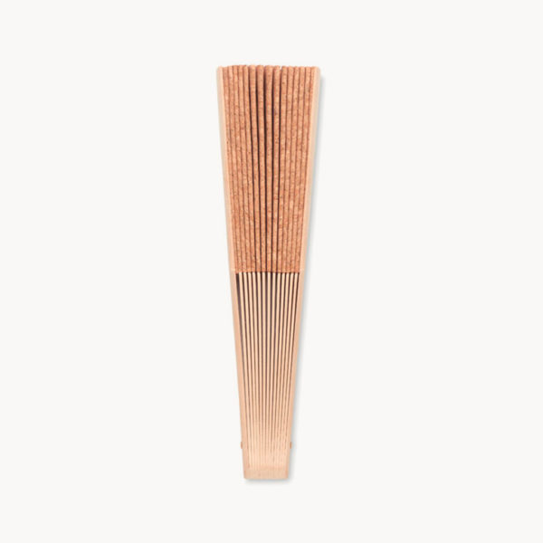 abanico-corcho-madera-recogido