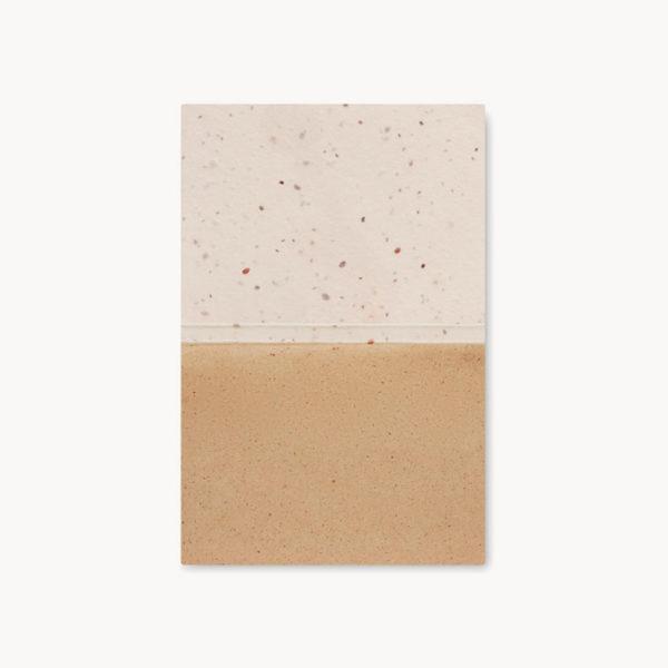 bloc-notas-papel-hierba-semillas-hojas-detalle