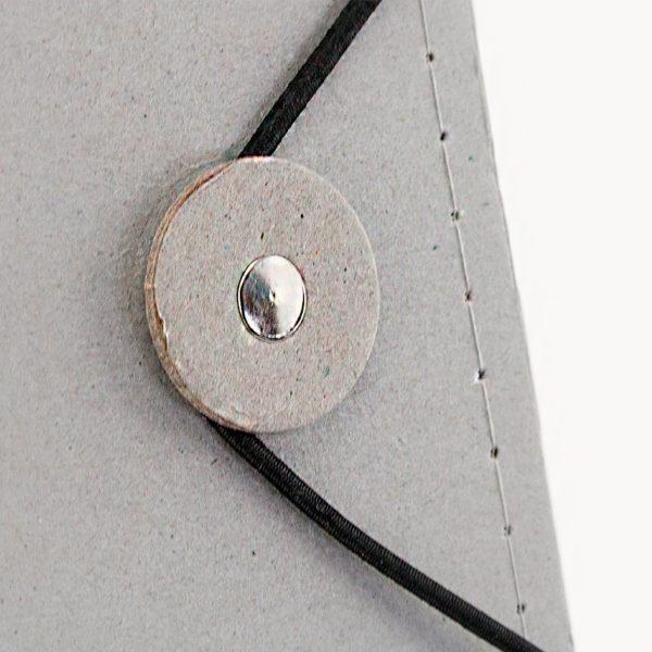 carpeta-carton-reciclado-bloc-notas-detalle