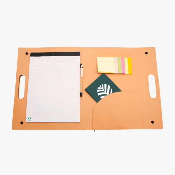 carpeta-carton-reciclado-libreta-asa-transporte-abierta