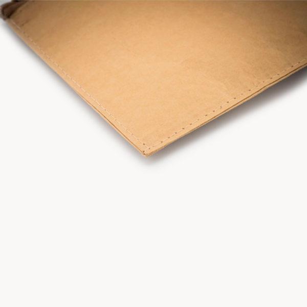 estuche-sostenible-papel-non-woven-detalle