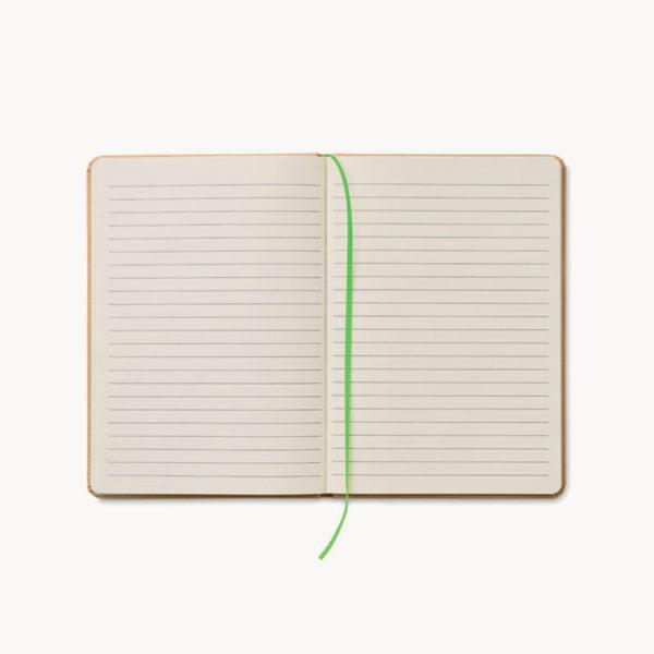 libreta-carton-reciclado-marcapaginas-verde-detalle