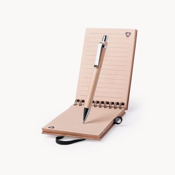 libreta-madera-boligrafo-bambu-detalle