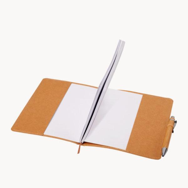 libreta-papel-kraft-resistente-agua-detalle