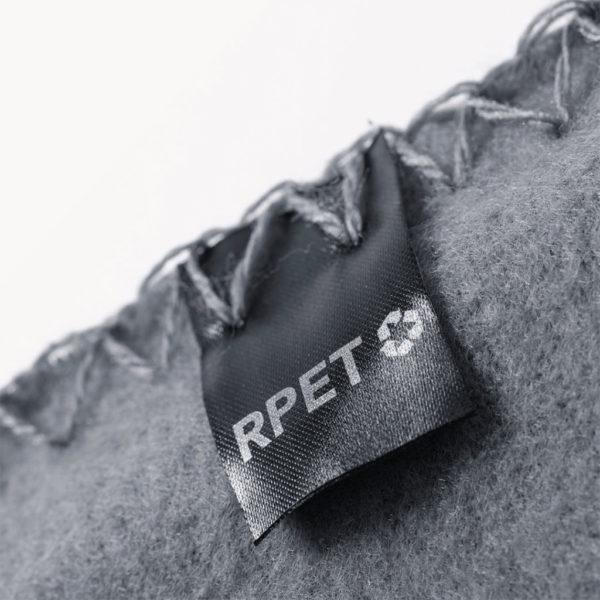 manta-plastico-reciclado-funda-200gr-detalle-rpet