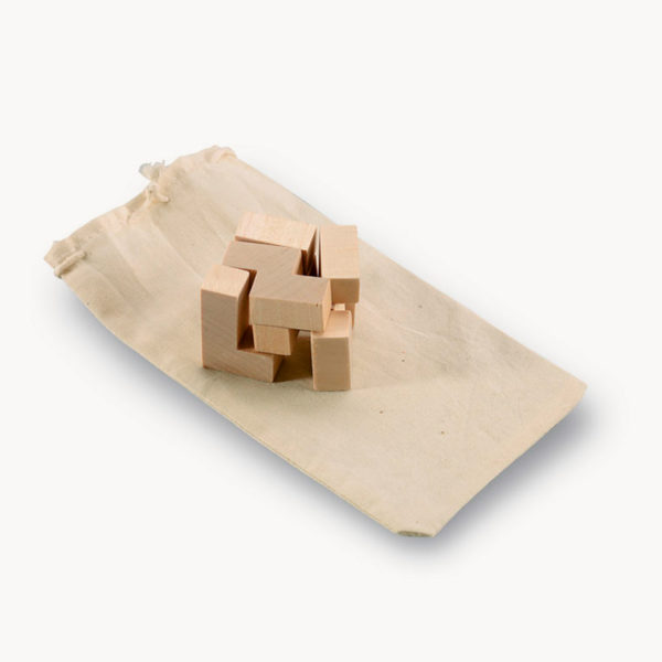 rompecabezas-madera-forma-cubo-funda-detalle