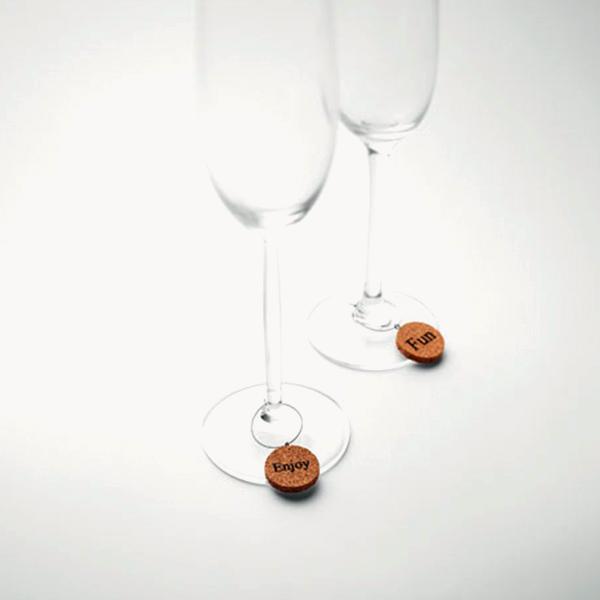 identificador-festivo-copas-vino-corcho-detalle